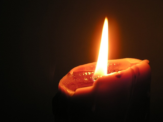 candle-268073_640